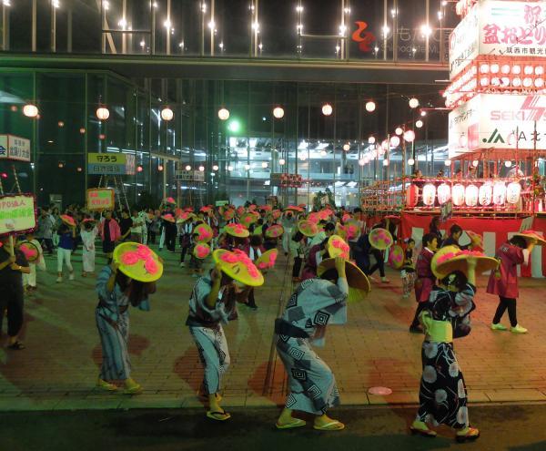 H30年度フォトコンテスト受賞作品 筑西市議会議長賞「笠抜き踊り競演」